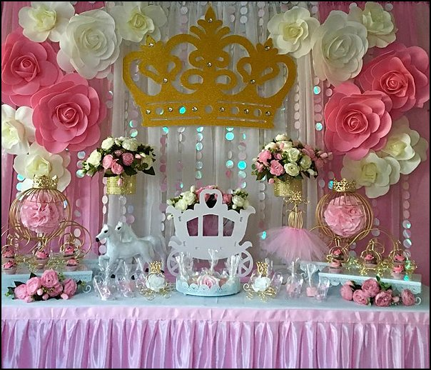 Cinderella Carriage Table Decor, Princess Carriage with horses and flowers, great for Fairy Tale weddings, sweet 16 birthday party