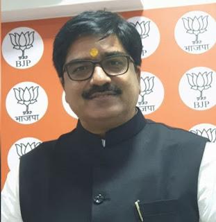 राष्ट्रीय प्रवक्ता प्रेम शुक्ल को मुंबई प्रवक्ता उदय प्रताप सिंह ने दी बधाई    #NayaSaberaNetwork
