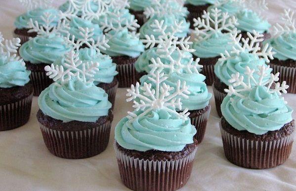 Snowflake Christmas Cupcake Cakes