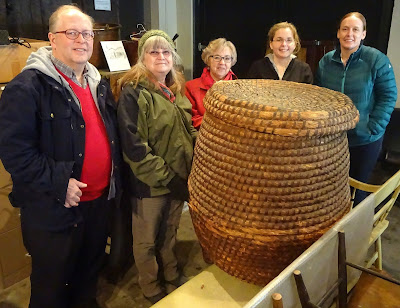Ephrata-staff-with-rye-straw-basket-from-Hist-Soc-of-Dauphin-County