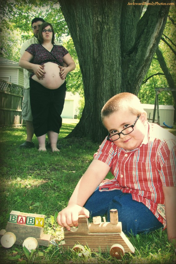 Awkward pregnancy announcements photos