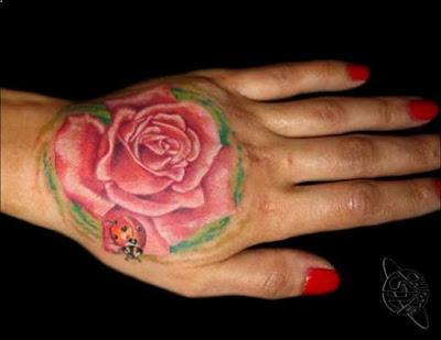 tato bunga mawar