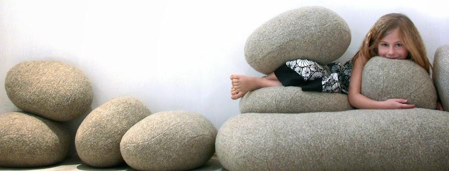 Cojines y sofas piedra5