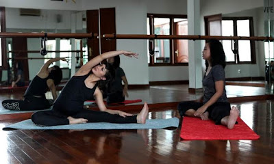 pose_yoga_side_bend