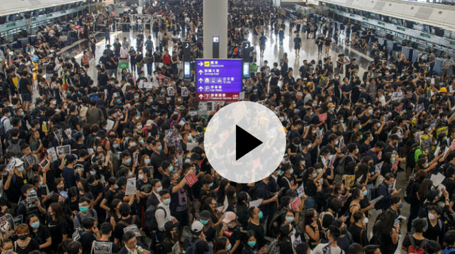 Hong Kong airport paralyzed by a sit-in of 5,000 demonstrators