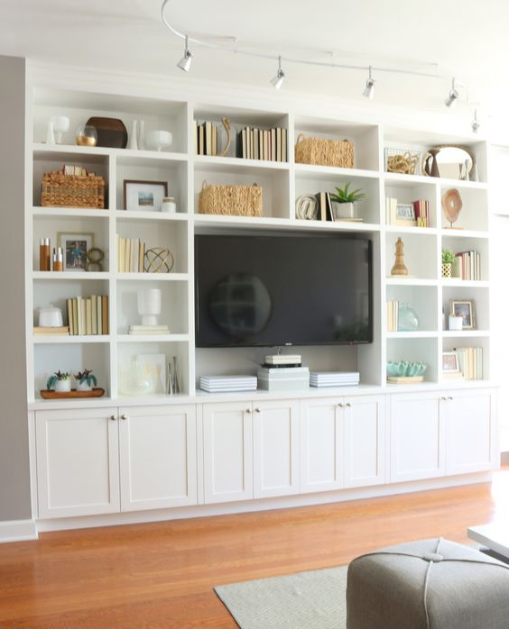 Cómo decorar un mueble de salón antiguo