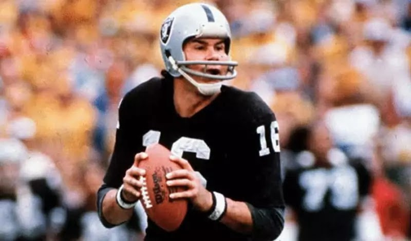 GREATS | Jim Plunkett