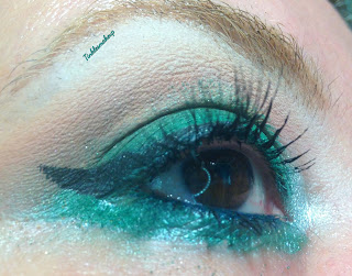 eye_makeup_green_blow_out
