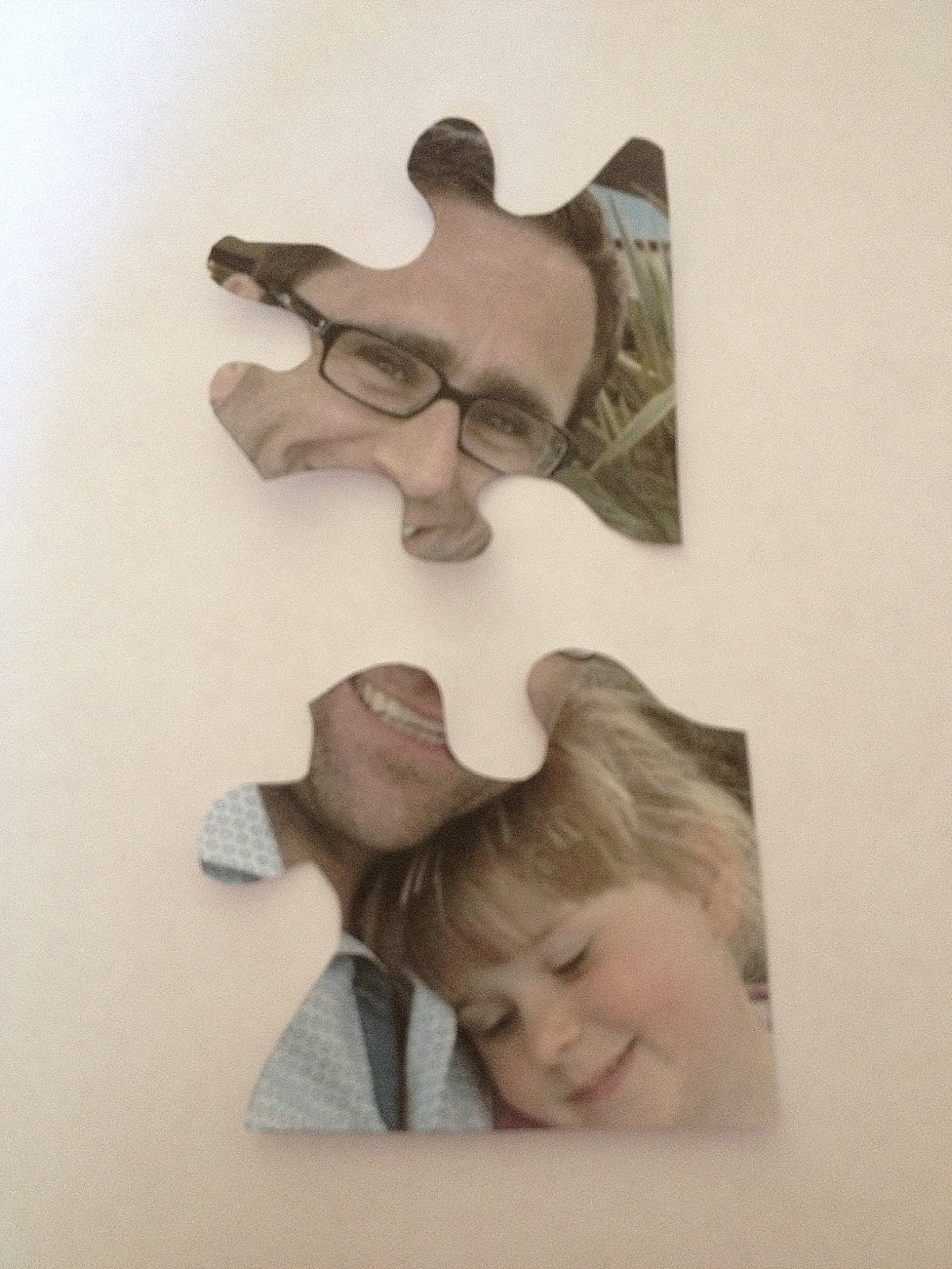 Me and my shadow: Upcycled Jigsaw Puzzle Pieces - How to