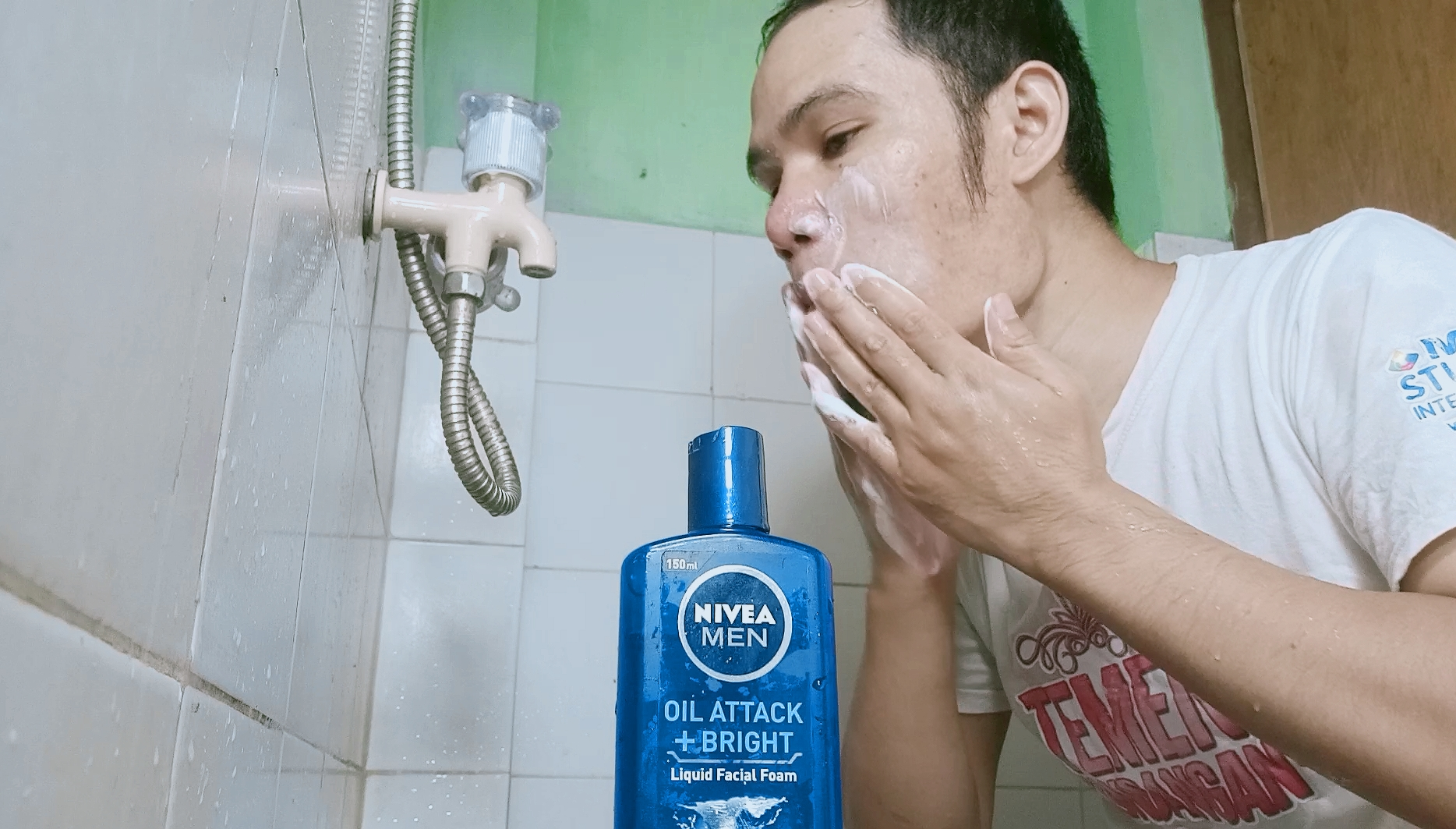 Pembersih Wajah NIVEA MEN OIL ATTACK