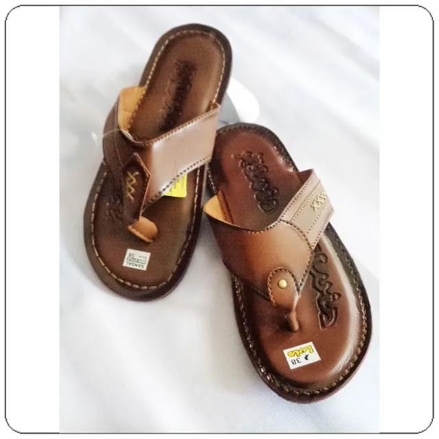 Sandal Classic Yang Lagi Hits