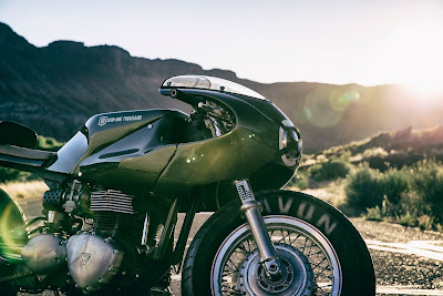 Triumph Thruxton 1000  by ICON1000