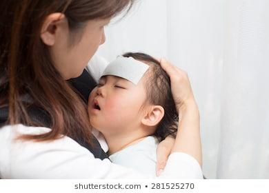 علاج السخونة للاطفال و أسباب ارتفاع درجة الحرارة ومتى يجب زيارة الطبيب ؟