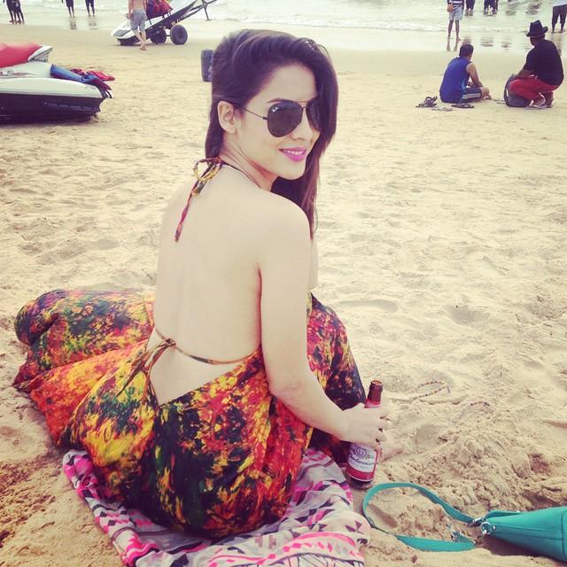 Sheetal Thakur Enjoying Vacations on Beach