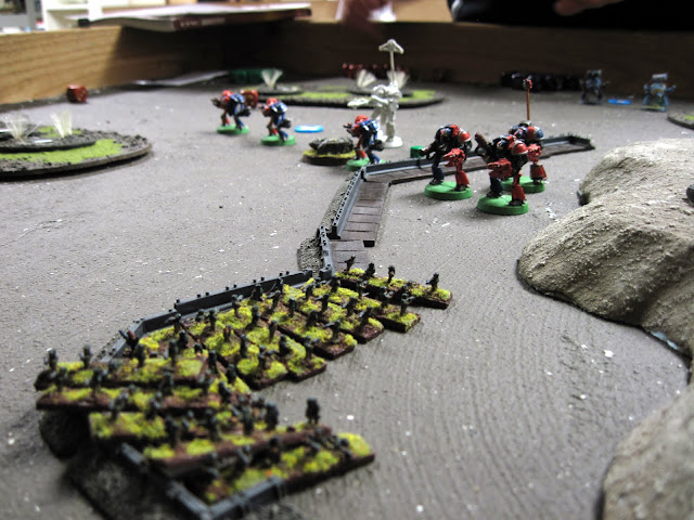 Errants move up to deal with the infantry infestation.