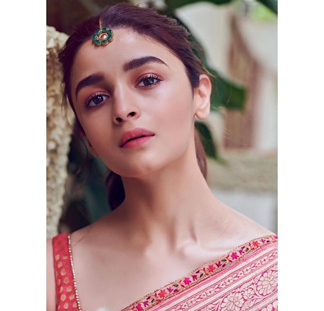 Alia Bhatt - Biography, Wiki, Height, Weight, Family, Mother, Education, Boyfriend or Affairs, Movies, Social Media, Instagram, Images, Date of Birth More