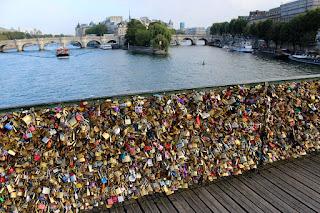 cadenas pont arts Paris journalpolegirl lola Plumeti pole dance romantique voyage amoureux