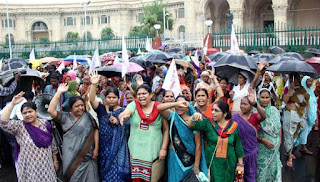 women-protest-after-4-death-gorakhpur