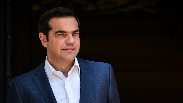 """«Ο ΣΥΡΙΖΑ ούτε κρύβεται, ούτε φοβάται»: Ο Αλέξης Τσίπρας πηγαίνει την Τρίτη στο """"γήπεδο"""" του Μητσοτάκη «για να φτάσει η αλήθεια σε όλο τον λαό»"""