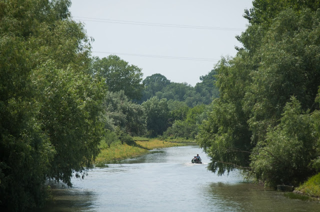 Dinspre Canalul Stipoc inspre Mila 35