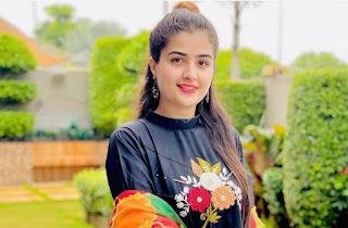 Zahra Waseem (Insta Model) Wiki, Age, Bio, Husband, Family, Dresses