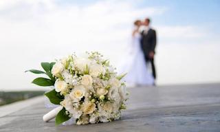 Έπαθαν ΣΟΚ οι γονείς της νύφης όταν έλαβαν το προσκλητήριο του γάμου - Ακόμα να συνέλθουν!