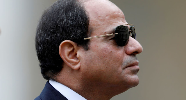 السيسي يجتمع بقادة الجيش المصري