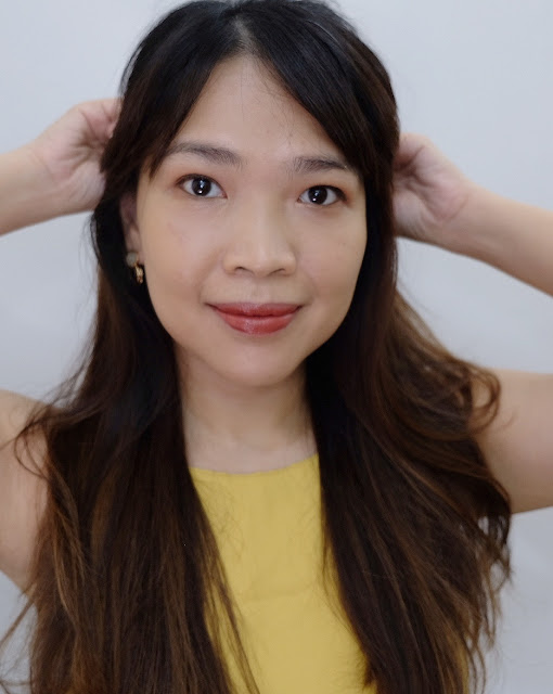 NARS Pure Radiant Tinted Moisturizer Review By Nikki Tiu of askmewhats.com
