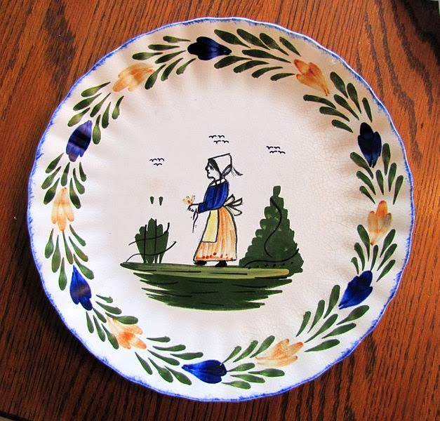 hand painted dish from the Blue Ridge dishware collection of Southern Potteries Incorporated during the 1930s through 1950s