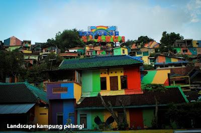 Warna-warni Kehidupan Kampung Pelangi