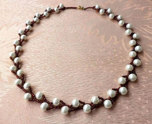 Easy Peasy Pearl and Seed Bead Necklace Tutorial for ...