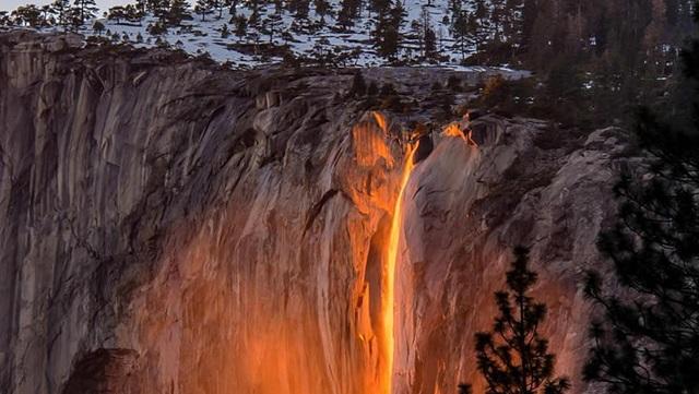 Cachoeira de Fogo/Parque Natural de Yosemite/Reprodução