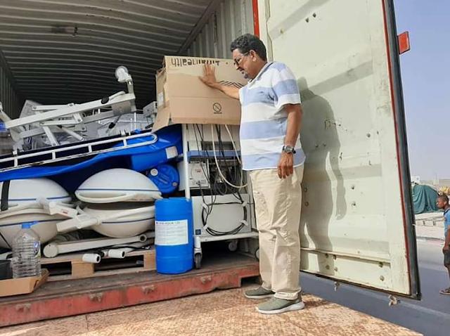 نواذيبو : البلدية تستلم كميات كبيرة من المعدات الكبية هدية من شركائها الإسبان..- صور