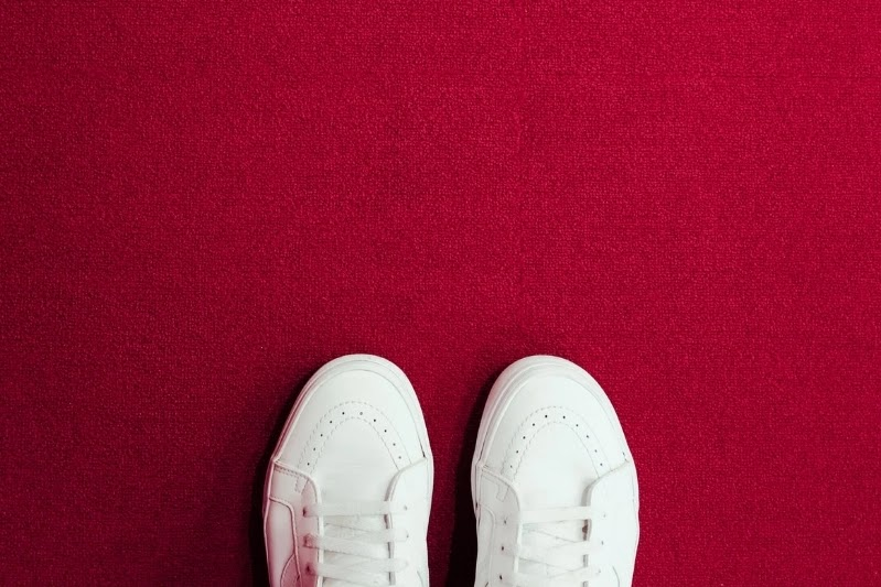 Top 5 Most Stylish Men's White Sneakers