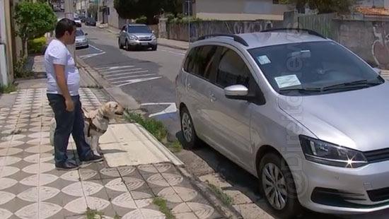 estudante cego motoristas cao guia direito