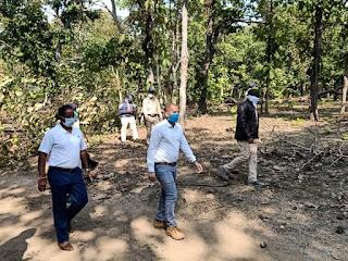 वन विभाग व पुलिस टीम पर हुवे हमले का जायजा लेने, डीआईजी ओर एसपी ने किया घटनास्थल का दौरा