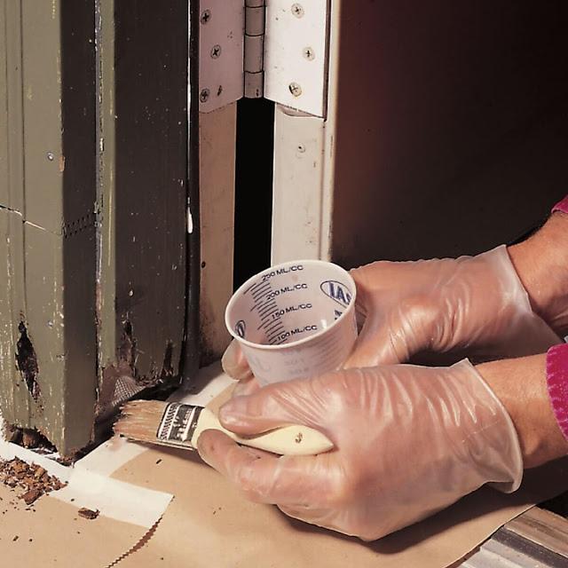 comment réparer un cadre de porte en bois