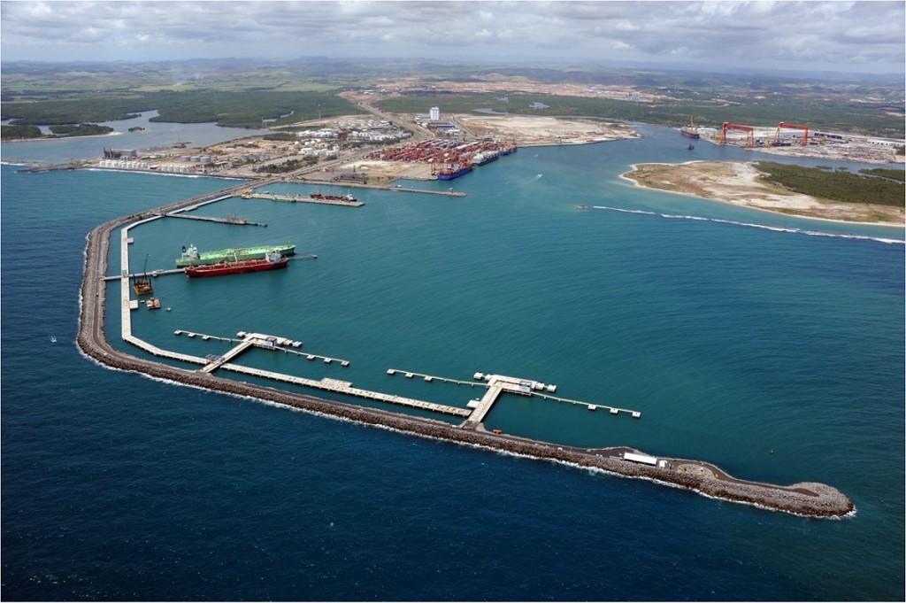 Porto de Suape requalifica píer para ampliar movimentação de cargas