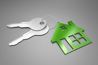 Image of a new home buyer's keys to the home that they had inspected with a home inspection