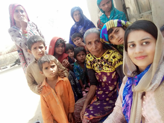 Pakistan के थार की एक हिंदू बेटी किरण साधवानी पाकिस्तान की पहली महिला इंजीनियर बनीं।