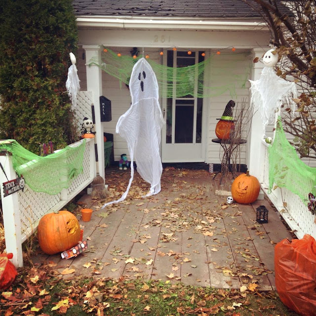 My annual haunted walkway Halloween