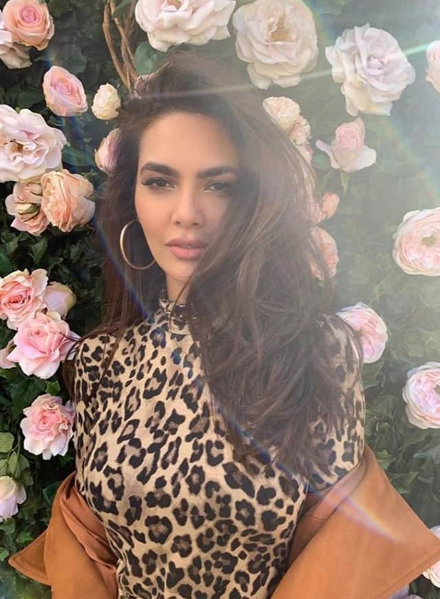 Esha Gupta's bold style in pictures, fans are praising