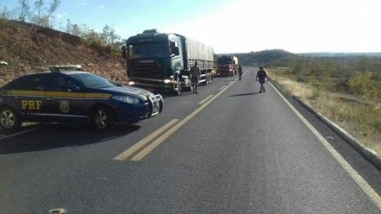 Durante Operação Safra no Piauí PRF apreende excesso de carga