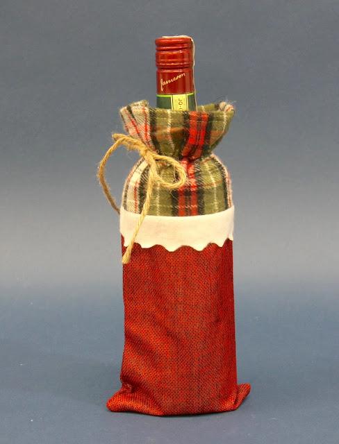 Ubranie świąteczne na butelkę na święta