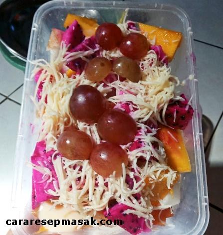 Cara Membuat Salad Buah untuk Dijual