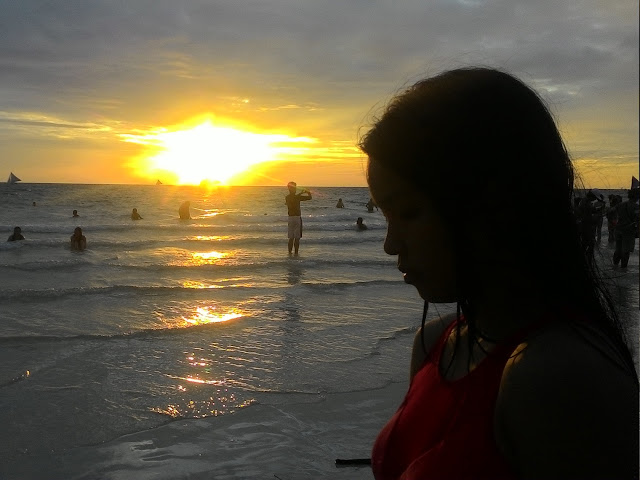 Chasing sunset in Boracay