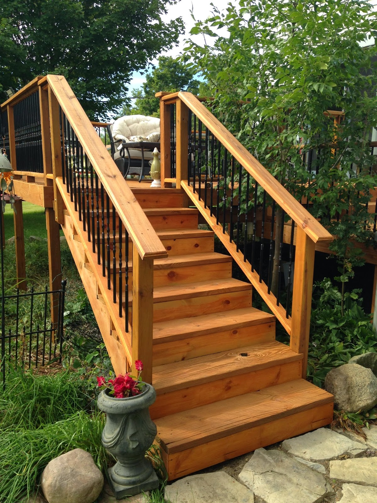 Old Victorian House: Deck & Railing