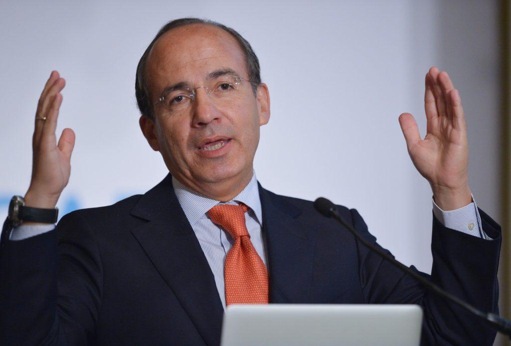 Calderón recrimina a Corral por recibir a AMLO en Chihuahua.