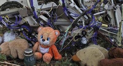 Зеленский в соцсетях не упомянул, что авиалайнер MH17 был сбит российской ракетой