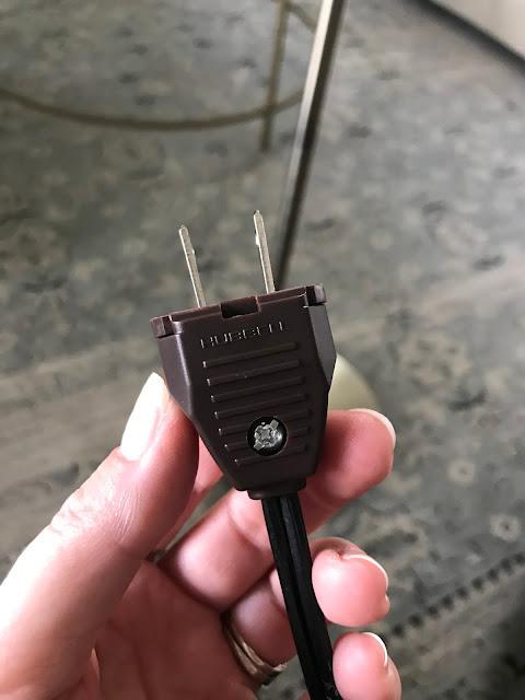Replacement lamp plug tutorial